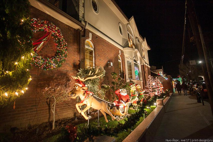 New York Merry Christmas Xmas Dyker Heights Season New Year Brooklyn 2016 2017 lights bells decoration illuminated nights